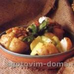 Печеный картофель с грибным соусом
