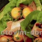 Рождественский салат с ветчиной