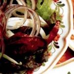 Салат из красных салатных листьев