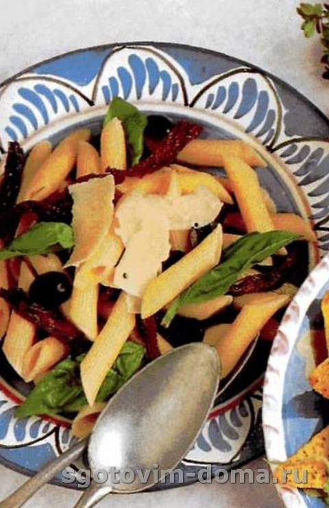 salat_s_makaronami_i_vysushennymi_na_solnce_pomidorami_1.jpg