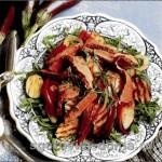 Салат из говядины-гриль, кабачков и баклажанов
