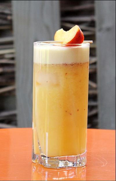 Коктейль Бодрость молочно-абрикосовый