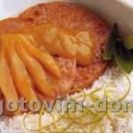 Стейк из свинины с глазурью из манго