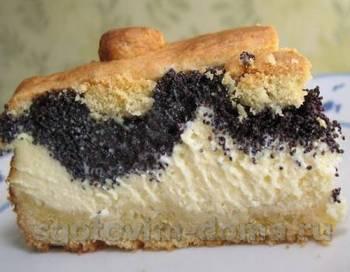 Пирог с творогом, изюмом и маковой начинкой, рецепт