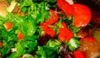 salat_iz_kitajskoj_kapusty_s_pomidornoj_zapravkoj_1