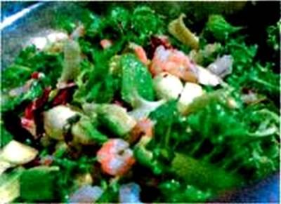 salat_s_krevetkami_avokado_i_mocarelloj_1