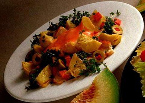 Коктейль салат из куриной грудки с артишоками