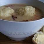 Суп фасолевый с грудинкой и клецками