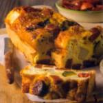 Фриттата с пикантными колбасками кабаносси