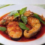 Тунец тушеный в пикантном соусе рецепт